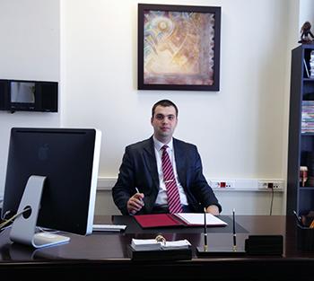 Адвокат по уголовным делам Славы улица арест на дом Праздничная улица